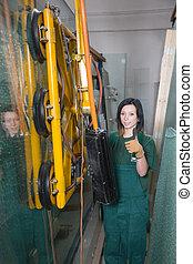 Glazier ind glass warehouse - Glazier in glass storage or...