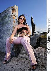 Young woman posing - Portrait of young fashion woman posing...