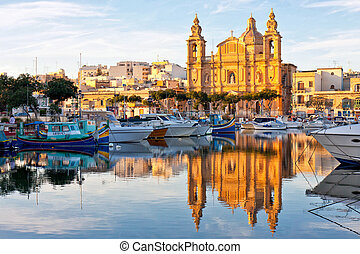 Malta view at golden hour - MaltaView of Valletta harbour at...