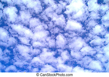 Fluffy clouds - Fluffy clouds high in the heavens