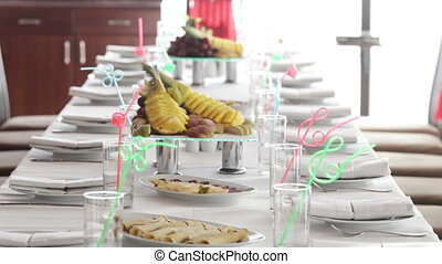 Table setting for a childrens birthday