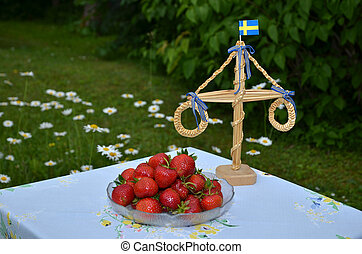 Strawberries at midsummer - A plate with fresh strawberries...