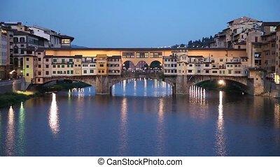 Ponte Vecchio stone bridge in Flore - Famous Ponte Vecchio...