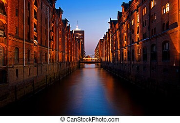 hamburg speicherstadt quarter with canal at night