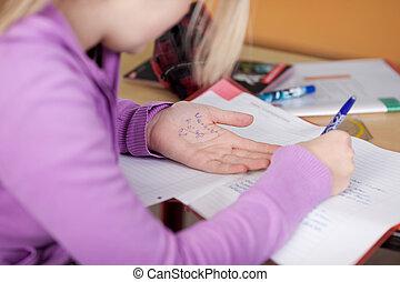 Estudiante, copiado, De, estafador, hoja, en, mano, en,...