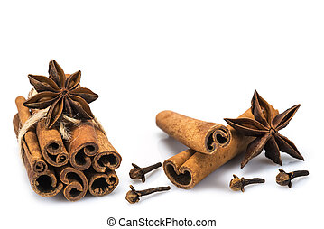Cinnamon with star anise and clove - Cinnamon sticks and...