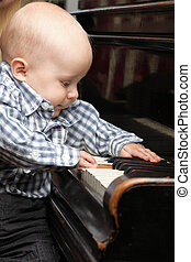 hermoso, niño, poco, juegos, bebé,  piano