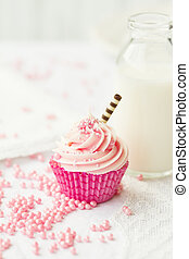 Pink cupcake - Cupcake served with a mini bottle of milk