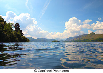 Keswick lake and Skiddaw mountain - Derwent Waterand,...