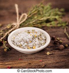 Sea ??salt with herbs