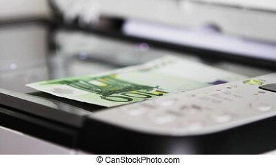 Scanning 100 Euro