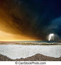 Tempestoso, mare