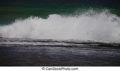 Ocean waves - Video 1920x1080p - Ocean waves rolled through...