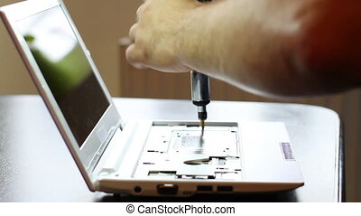 Assembling Laptop Troubleshooter - Assembling and starting a...