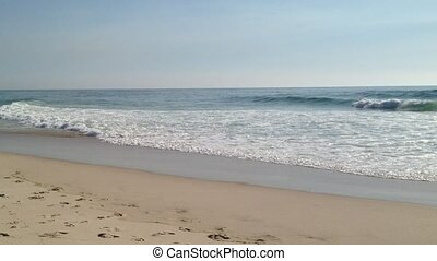 Sea and sand - Ocean Waves and Beach: The waves from the sea...