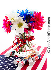 Flowers - Patriotic holiday bouques with daisies for July...