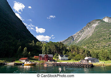 Mountain Fjord Farm - Mountain farm in the Sognefjord,...