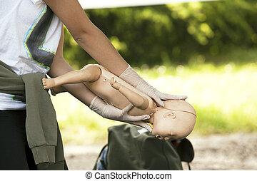 báb, csecsemő, először, segély
