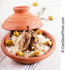 cordero, aceitunas, costillas,  tagine, marroquí,  Couscous