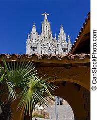 Templo del Sagrado Corazn de Jesus - View arch of the...