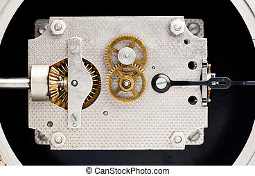 Clock mechanism, marine chronometer