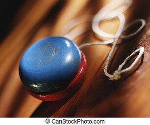 Yo-yo and string - Picture of Yo-yo and string