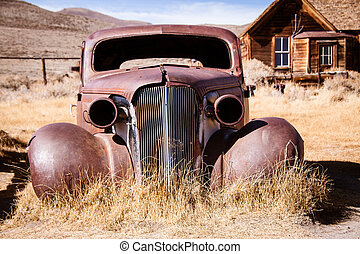Old abandoned car - This old abandoned car has seen better...