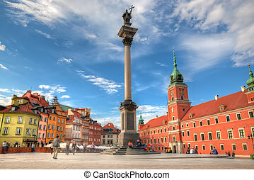 Old town in Warsaw, Poland. The Royal Castle and Sigismund's...