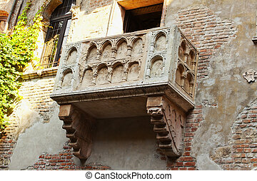 Juliets Balcony - View of Juliets balcony in Verona, Italy