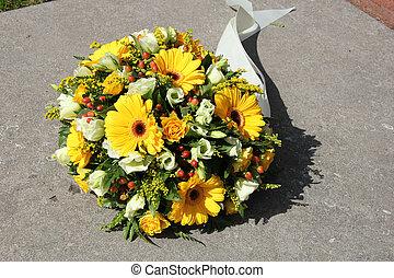 amarillo, condolencia, flores