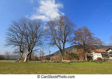 Spacious Park at the Tegernsee lake - A spacious Park at the...
