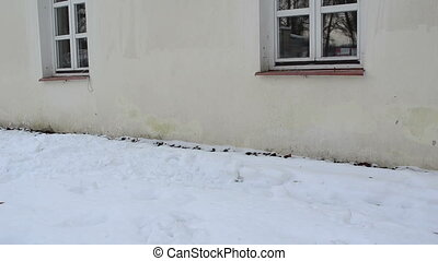 snow fall ground roof - snow fall from roof on ground winter...