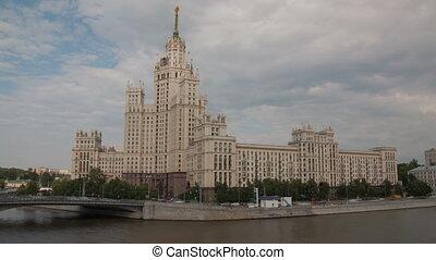 Building on Kotelnicheskaya Naberezhnaya hyperlapse -...