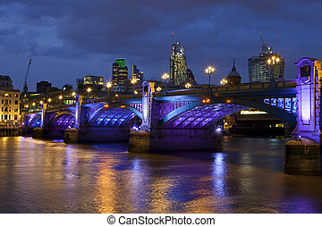 Southwark Bridge in London - The impressive Southwark Bridge...