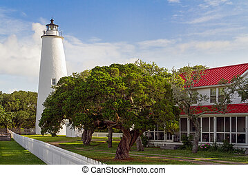Ocracoke Lighthouse - The Ocracoke Lighthouse and Keeper's...