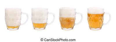 Decreasing  foam in a mug of beer