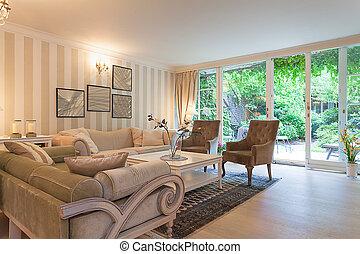 Vintage mansion - rest area