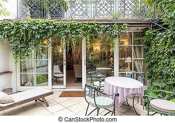 Vintage mansion - veranda - Vintage mansion - a cosy veranda...
