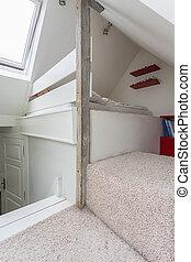 Vintage mansion - garret - Vintage mansion - a bright garret...