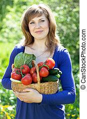 menina, colheita, legumes