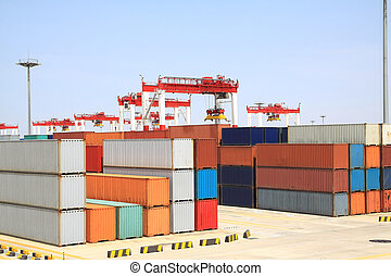Port cranes and container trade - Trading port cranes and...
