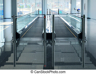 Travelator of walkway in building
