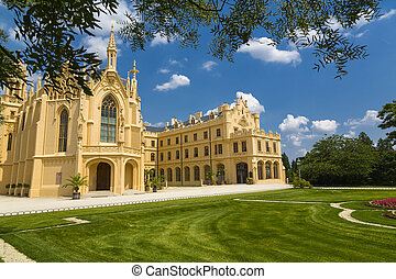 southern frontage of the castle Lednice, southern frontage...