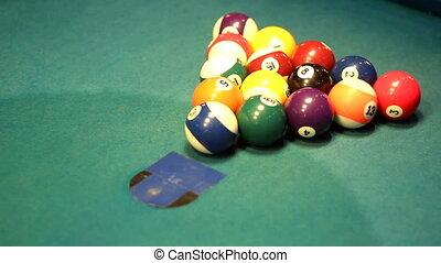 start first hit of billiard balls