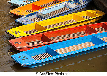 Punts. Oxford, UK - Punts on the river Cherwel. Oxford,...