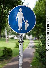 pedestrian walking route sign