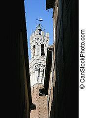 Torre del Mangia belltower. - Torre del Mangia belltower...