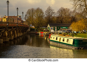 Stratford upon Avon - Peaceful riverside scene looking...