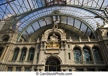 Antwerp trainstation - Old building
