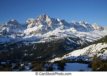 Pyrenees - Sunrise in Telera Peak, Partacua Mountains, Tena...